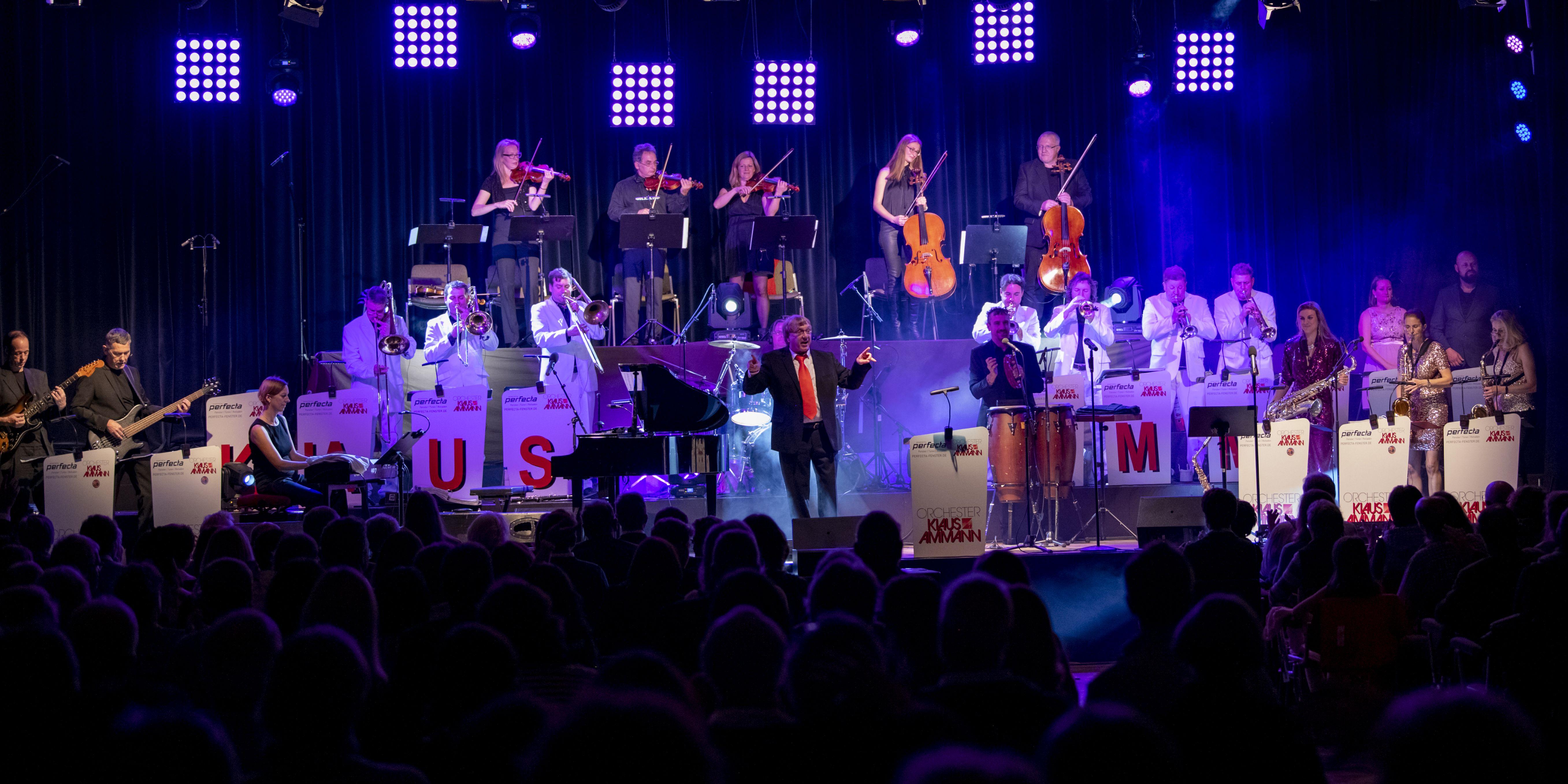 Berchtesgaden, Deutschland, Kurhaus, 11.11.2018, Klaus Amman Big Band, Musik, Konzert, Udo Jürgens u. James Last